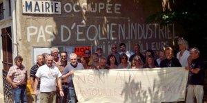 Ferocious siege of the Ferrieres-Poussarou city hall, July 2012