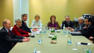 John Kerry and Catherine Ashton press Iranian FM Zarif to accept Western concessions in Geneva. (Reuters photo)