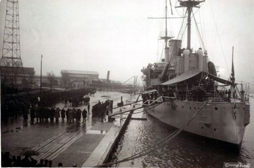 The Unknown Soldier is escorted from USS Olympia in the Washington Navy Yard, 9 November 1921