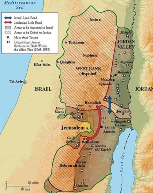 Map courtesy of the Jewish Virtual Library at http://www.jewishvirtuallibrary.org/jsource/History/allonplan.html