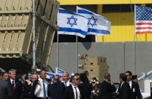 That was then, this is now.  Netanyahu and Obama visit an Iron Dome battery at Ben Gurion in March 2013, back when the US approved it as a means of protection for the airport. (Image: Flash90, Nati Shohat via ToI)