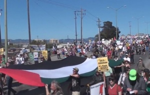 Spirits high on Saturday as an estimated 2,000-3,000 protesters marched on the port. (Twitter image)