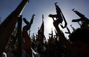 Iraqis flock to ISIS during conquests earlier this summer. (Image via Tea Party Tribune)