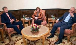Playing charades. Kerry, Ashton, and Zarif meet for coffee in Muscat, Oman on 10 Nov. (Image: Reuters/Nicholas Kamm via Al-Monitor)