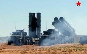 S-300PMU-2 strikes a professional pose. (Image: TV Zvezda via YouTube)