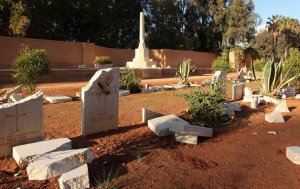 Graves of WWII soldiers in Libya, desecrated by jihadis. (Image via euronews)